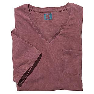 t shirt mit v ausschnitt und brusttasche flamm garn baumwolle farbe rot gr enspezialist. Black Bedroom Furniture Sets. Home Design Ideas